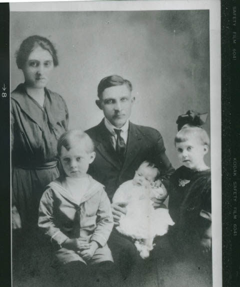 A family whose old photo I found in a library book